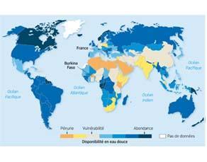 Disponibilité en eau douce par an et par personne dans le monde en 2007