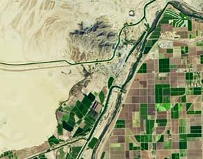 Vue satellitaire de la frontière entre les États-Unis et le Mexique au niveau du fleuve Colorado