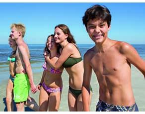 Groupe de jeunes de 13 ans ayant commencé leur puberté