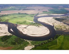 Dépôt et transport de sédiments en rivière