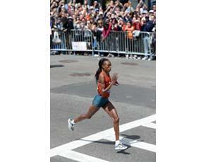 La fin de course d'une marathonienne