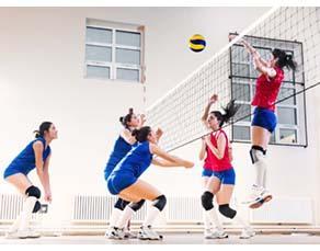 Tournoi de volley-ball dans un collège