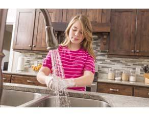 Le lavage de main, indispensable avant de faire la cuisine
